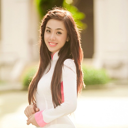 Miko Lan Trinh.2